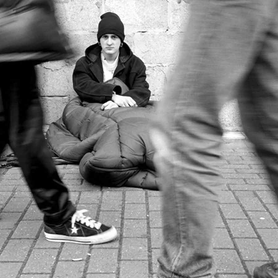 the us government should create a policy to help homeless people What can the government do to help homeless people create social programs and get the government can best help by giving us even larger tax.